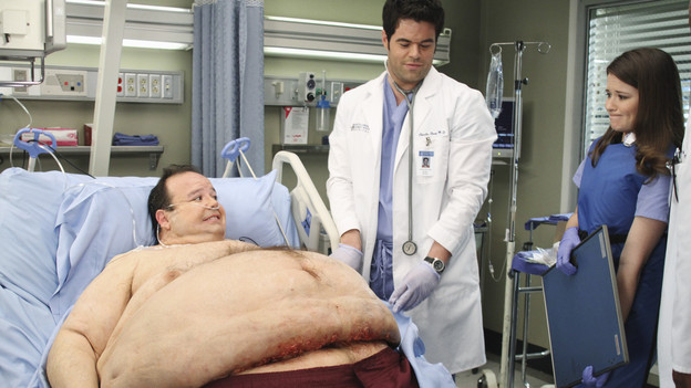 "GREY'S ANATOMY - ""How Insensitive"" - Bailey preps the team with a mandatory sensitivity training prior to admitting a 700-pound patient with compounded medical issues, and the case proves to be challenging in every sense of the word. Meanwhile Derek has to come face to face with a former patient's husband in a wrongful death deposition, and spending time with a heart patient's daughter opens up some old wounds for Cristina, on ""Grey's Anatomy,"" THURSDAY, MAY 6 (9:00-10:01 p.m., ET) on the ABC Television Network. (ABC/RON TOM) JERRY KERNION, ROBERT BAKER, SARAH DREW"