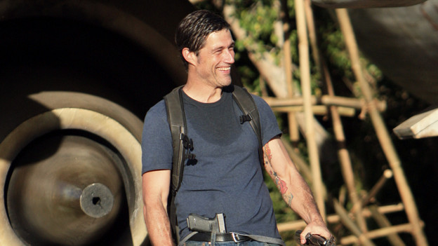 "LOST - ""The Candidate"" - Jack must decide whether or not to trust Locke after he is asked to follow through on a difficult task, on ""Lost,"" TUESDAY, MAY 4 (9:00-10:02 p.m., ET) on the ABC Television Network. (ABC/MARIO PEREZ) MATTHEW FOX"