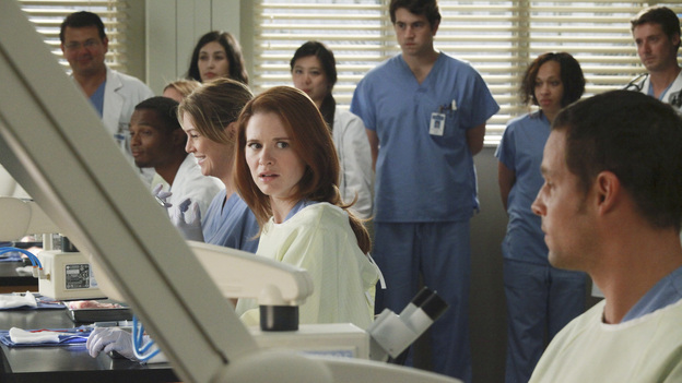 GREY'S ANATOMY - &quot;Loss, Love and Legacy&quot; - The residents try their hardest to impress surgical great Catherine Avery-who also happens to be Jackson's mother-when she arrives at Seattle Grace to perform a groundbreaking transplant surgery; Arizona and Alex find their hands tied with a confidentiality issue when a familiar patient comes into the ER; meanwhile, a love-struck Teddy throws a dinner party for the couples, and Bailey makes a decision regarding her love life, on Grey's Anatomy, THURSDAY, OCTOBER 13 (9:00-10:02 p.m., ET) on the ABC Television Network. (ABC/RICHARD CARTWRIGHT)ELLEN POMPEO, SARAH DREW, JUSTIN CHAMBERS