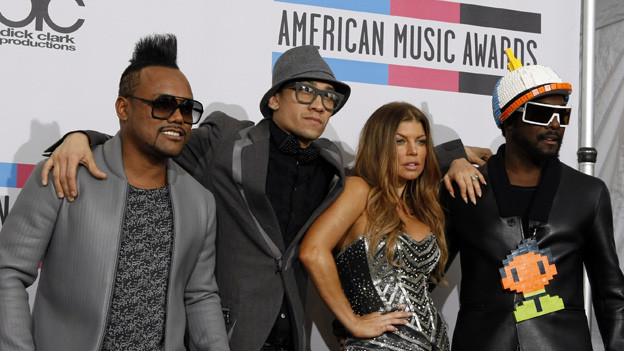 2010 AMERICAN MUSIC AWARDS¨ - GENERAL - The show broadcast live from the NOKIA Theatre L.A. LIVE on SUNDAY, NOVEMBER 21 (8:00-11:00 p.m., ET) on ABC. (ABC/RICK ROWELL)BLACK EYED PEAS