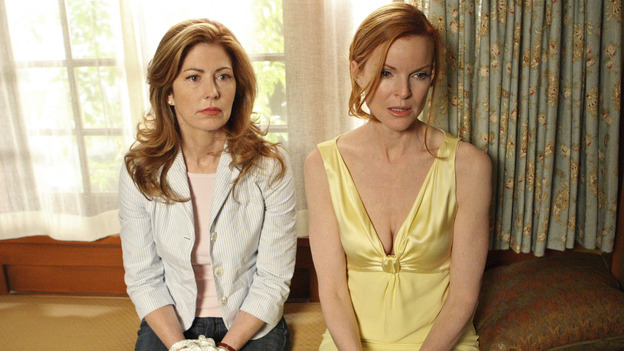 "DESPERATE HOUSEWIVES - ""Desperate Housewives"" concludes the season in fitting fashion with a dramatic two-hour Season Finale, SUNDAY, MAY 18 (9:00-11:00 p.m, ET) on the ABC Television Network. In the second hour, ""Free"" (10:00-11:00 p.m.), several residents of Wisteria Lane are faced with deadly threats, and Katherine Mayfair's secrets are finally revealed. (ABC/CRAIG SJODIN) DANA DELANY, MARCIA CROSS"