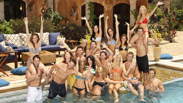 "BACHELOR PAD - ""Bachelor Pad,"" the exciting new competitive reality series from the producers of ""The Bachelor"" and ""The Bachelorette,"" premieres MONDAY, AUGUST 9 (8:00-10:00 p.m., ET), on ABC. (ABC/CRAIG SJODIN)BACK ROW: ASHLEY ELMORE, JESSIE SULIDIS, KRISILY KENNEDY, JUAN BARBIERI, GWEN GIOIA (ON JUAN'S SHOULDERS); MIDDLE ROW: GIA ALLEMAND (ON DAVID'S SHOULDERS), MICHELLE KUJAWA, JONATHAN NOVACK, NATALIE GETZ, WES HAYDEN, KIPTYN LOCKE, PEYTON WRIGHT, JESSE BECK; FRONT ROW: DAVID GOOD, JESSE KOVACS, TENLEY MOLZHAN, NIKKI KAPPKE, ELIZABETH KITT,  CRAIG MCKINNON"