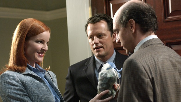 "DESPERATE HOUSEWIVES - ""AH, BUT UNDERNEATH"" (ABC/RON TOM) MARCIA CROSS, STEVEN CULP, SAM LLOYD"