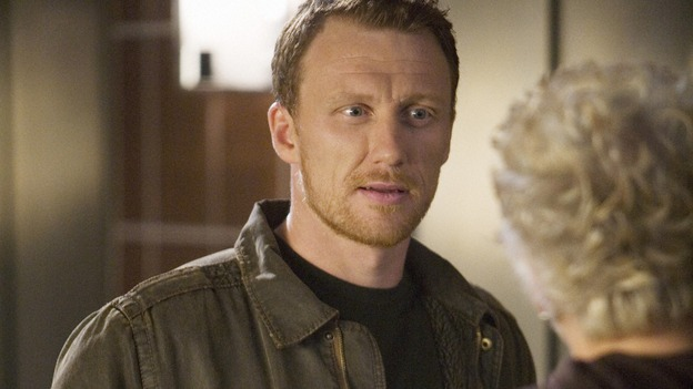 "GREY'S ANATOMY - ""Sympathy for the Devil"" - Owen bonds with Derek's mother, Carolyn, over their mutual service in the armed forces, on ""Grey's Anatomy,"" THURSDAY, JANUARY 15 (9:00-10:01 p.m., ET) on the ABC Television Network. (ABC/RANDY HOLMES) KEVIN McKIDD"