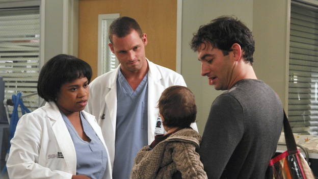 "GREY'S ANATOMY - ""Oh, The Guilt"" - Bailey treats a young mother battling breast cancer, Derek learns more about Mark and Addison's relationship, the interns defend a resident's competence at a hospital staff meeting, and Meredith and Addison examine a couple who find themselves in a rather awkward position, on ""Grey's Anatomy,"" THURSDAY, OCTOBER 19 (9:00-10:01 p.m., ET) on the ABC Television Network. (ABC/RICHARD CARTWRIGHT)CHANDRA WILSON, JUSTIN CHAMBERS, CHRIS CONNER"