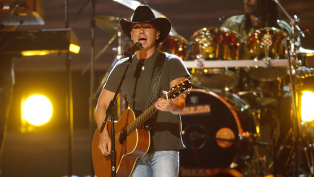 "THE 42ND ANNUAL CMA AWARDS - THEATRE - ""The 42nd Annual CMA Awards"" aired live from the Sommet Center in Nashville, WEDNESDAY, NOVEMBER 12 (8:00-11:00 p.m., ET) on the ABC Television Network. (ABC/CHRIS HOLLO)KENNY CHESNEY"