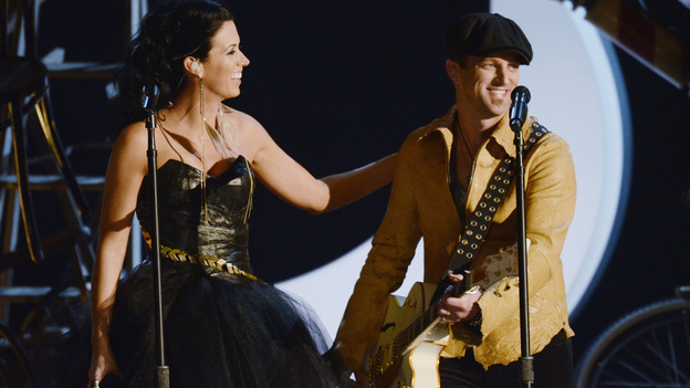 "THE 45th ANNUAL CMA AWARDS - THEATRE - ""The 45th Annual CMA Awards"" broadcast live on ABC from the Bridgestone Arena in Nashville on WEDNESDAY, NOVEMBER 9 (8:00-11:00 p.m., ET). (ABC/KATHERINE BOMBOY-THORNTON)THOMPSON SQUARE"