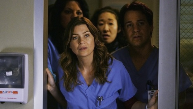 "GREY'S ANATOMY - ""Elevator Love Letter"" - The doctors of Seattle Grace check in on Izzie, on ""Grey's Anatomy,"" THURSDAY, MARCH 26 (9:00-10:02 p.m., ET) on the ABC Television Network. (ABC/SCOTT GARFIELD) SARA RAMIREZ, ELLEN POMPEO, SANDRA OH, T.R. KNIGHT"