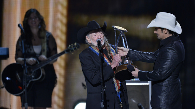 "THE 46TH ANNUAL CMA AWARDS - THEATRE - ""The 46th Annual CMA Awards"" airs live THURSDAY, NOVEMBER 1 (8:00-11:00 p.m., ET) on ABC live from the Bridgestone Arena in Nashville, Tennessee. (ABC/KATHERINE BOMBOY-THORNTON)WILLIE NELSON, BRAD PAISLEY"