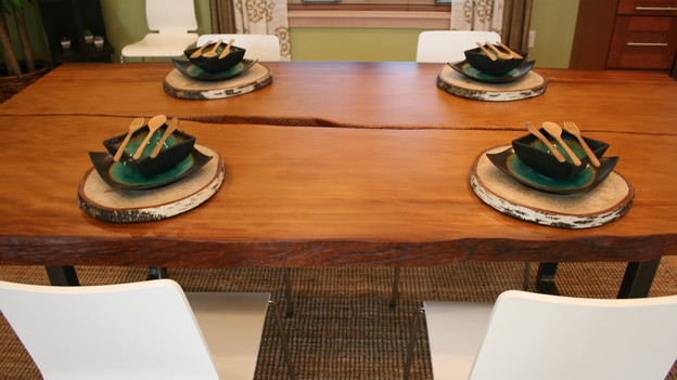 EXTREME MAKEOVER HOME EDITION - &quot;Huber Family,&quot; - Dining Room, on &quot;Extreme Makeover Home Edition,&quot; Sunday, September 27th on the ABC Television Network.