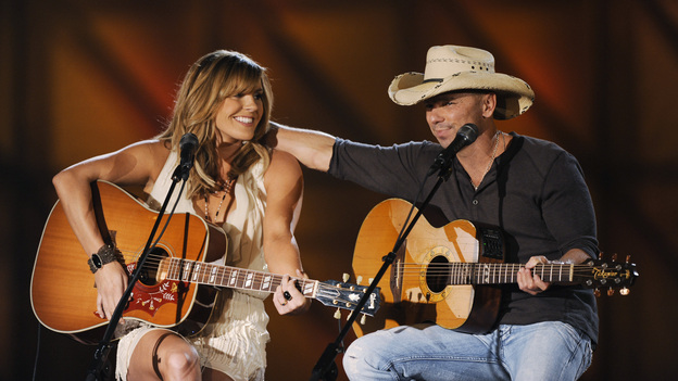 "THE 45th ANNUAL CMA AWARDS - THEATRE - ""The 45th Annual CMA Awards"" broadcast live on ABC from the Bridgestone Arena in Nashville on WEDNESDAY, NOVEMBER 9 (8:00-11:00 p.m., ET). (ABC/KATHERINE BOMBOY-THORNTON)GRACE POTTER, KENNY CHESNEY"