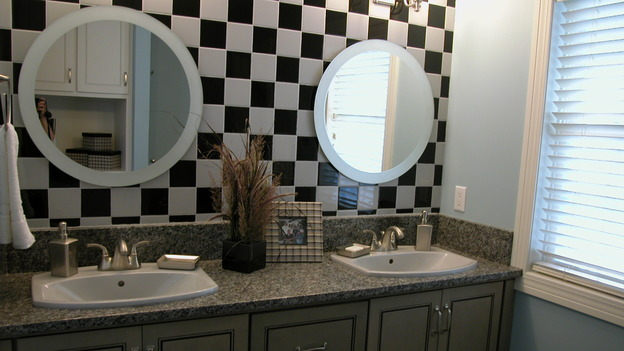 EXTREME MAKEOVER HOME EDITION - &quot;Koepke Family,&quot; - Bathroom, on &quot;Extreme Makeover Home Edition,&quot; Sunday, November 19th on the ABC Television Network.