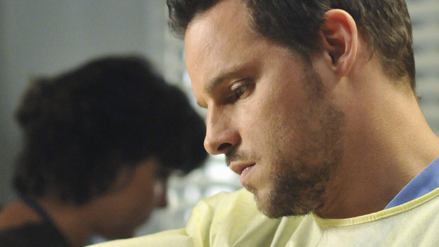 "GREY'S ANATOMY - ""Life During Wartime"" - Alex treats a new trauma patient, on ""Grey's Anatomy,"" THURSDAY, OCTOBER 30 (9:00-10:01 p.m., ET) on the ABC Television Network. (ABC/ERIC MCCANDLESS) JUSTIN CHAMBERS"