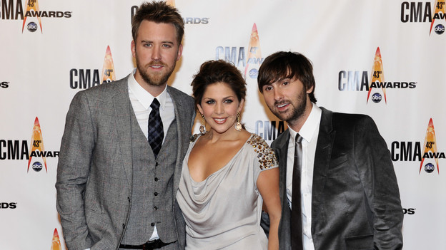 THE 43rd ANNUAL CMA AWARDS - RED CARPET ARRIVALS - &quot;The 43rd Annual CMA Awards&quot; will be broadcast live from the Sommet Center in Nashville, WEDNESDAY, NOVEMBER 11 (8:00-11:00 p.m., ET) on the ABC Television Network. (ABC/DONNA SVENNEVIK)LADY ANTEBELLUM