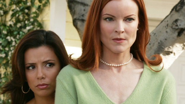 "DESPERATE HOUSEWIVES - ""I Wish I Could Forget You"" -- As Carlos continues serving his jail sentence, Gabrielle valiantly tries to free him. Meanwhile Mike and Susan face a crisis in their relationship, and Paul Young returns, on Desperate Housewives,"" SUNDAY, XXXX (9:00-10:01 p.m., ET) on the ABC Television Network. (ABC/RON TOM)EVA LONGORIA, MARCIA CROSS"