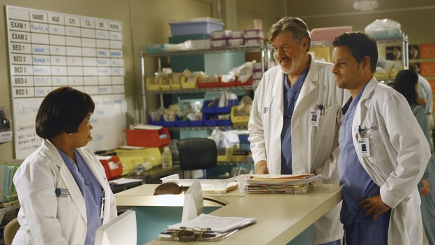 "GREY'S ANATOMY - ""Let the Truth Sting"" - The new interns are dazzled by the skill level of fellow intern George, while Lexie helps keep his ""repeater"" status a secret; Meredith half-heartedly helps Lexie with her first emergency patient; Sloan and Richard attempt a radical, new surgery to save a woman's ability to speak; and George is compelled to tell Callie of his past indiscretion with Izzie, on ""Grey's Anatomy,"" THURSDAY, OCTOBER 11 (9:00-10:01 p.m., ET) on the ABC Television Network. (ABC/SCOTT GARFIELD)CHANDRA WILSON, EDWARD HERMANN, JUSTIN CHAMBERS"