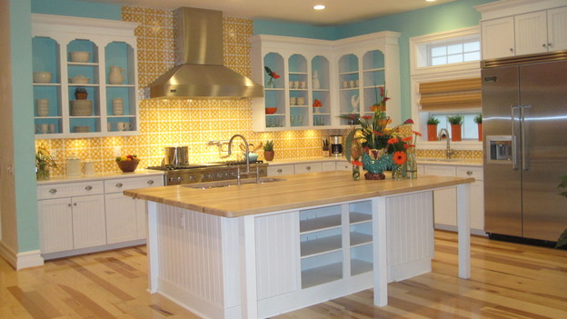 EXTREME MAKEOVER HOME EDITION - &quot;Beach Family,&quot; - Kitchen, on &quot;Extreme Makeover Home Edition,&quot; Sunday, April 4th (8:00-10:00 p.m. ET/PT) on the ABC Television Network.