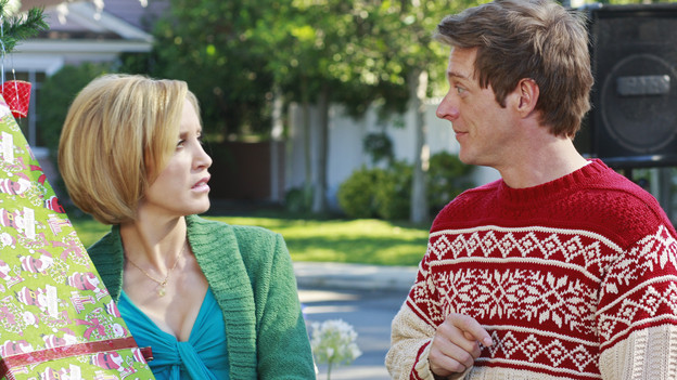 "DESPERATE HOUSEWIVES - ""Boom Crunch"" - Christmas cheer is curtailed when disaster strikes on ABC's ""Desperate Housewives,"" SUNDAY, DECEMBER 6 (9:00-10:01 p.m., ET). Gaby and Lynette's friendship is on the brink of collapse; Susan hatches a plan to help an irrational Katherine; Bree and Orson come to an agreement over their marriage; Danny's vital mistake may cost Angie her freedom; and a plane crashes down on Wisteria Lane, putting lives in peril. (ABC/RON TOM)FELICITY HUFFMAN, KEVIN RAHM"