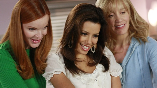 "DESPERATE HOUSEWIVES - ""The Gun Song"" - The ladies of Wisteria Lane meet Susan and Mike's new baby, on Desperate Housewives,"" SUNDAY, MAY 18 (9:00-10:00 p.m., ET) on the ABC Television Network. (ABC/RON TOM) MARCIA CROSS, EVA LONGORIA PARKER, FELICITY HUFFMAN"