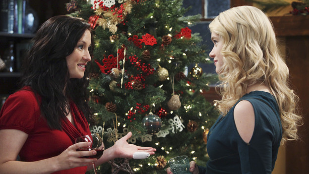 "GREY'S ANATOMY - ""Holidaze"" -- As Thanksgiving, Christmas and New Year's pass, Miranda is visited by her father, William, who disapproves of her choices in life; meanwhile, Mark and Lexie must cope with the shocking arrival of a woman from his past, and Thatcher Grey questions the Chief's recent behavior as Meredith comes to his defense, on ""Grey's Anatomy,"" THURSDAY, NOVEMBER 19 (9:00-10:01 p.m., ET) on the ABC Television Network. (ABC/DANNY FELD)CHYLER LEIGH, LEVEN RAMBIN"