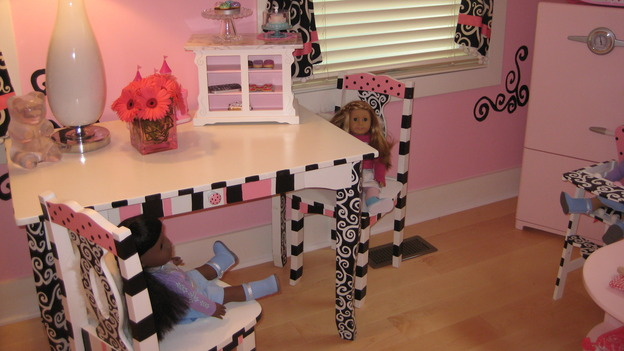 "EXTREME MAKEOVER HOME EDITION - ""Martirez/Malez Family,"" - Girls' Bedroom Details, on ""Extreme Makeover Home Edition,"" Sunday, November 9th on the ABC Television Network."