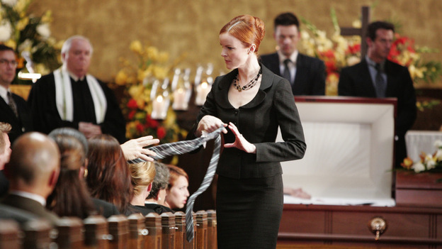 "DESPERATE HOUSEWIVES ""Next"" - Bree finds the perfect tie for her dead husband, Tom Scavo's - (ABC/VIVIAN ZINK) MARCIA CROSS"