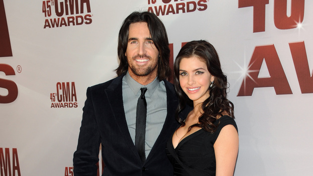 "THE 45th ANNUAL CMA AWARDS - RED CARPET ARRIVALS - ""The 45th Annual CMA Awards"" will broadcast live on ABC from the Bridgestone Arena in Nashville on WEDNESDAY, NOVEMBER 9 (8:00-11:00 p.m., ET). (ABC/JASON KEMPIN)JAKE OWEN"