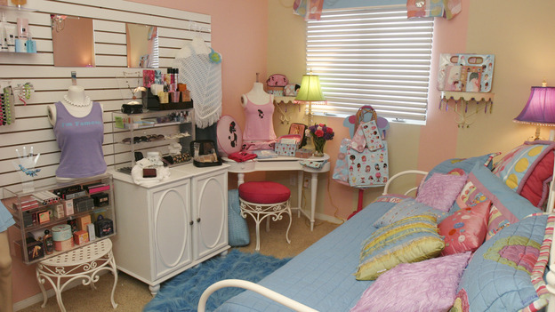 "EXTREME MAKEOVER HOME EDITION - ""Wofford Family,"" - Girl's Bedroom, on ""Extreme Makeover Home Edition,"" Sunday, September 26th on the ABC Television Network."
