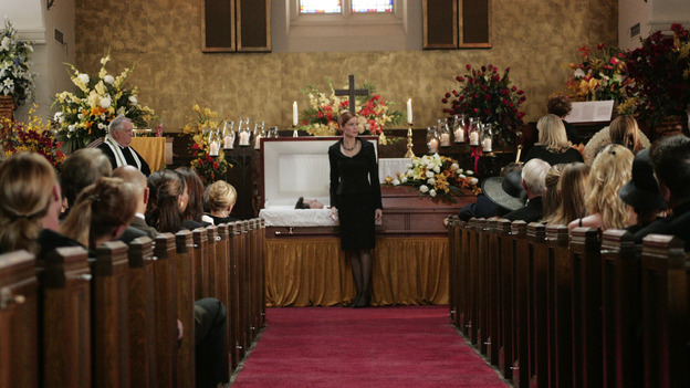 "DESPERATE HOUSEWIVES ""Next"" - Bree goes hunting for a new funeral tie - (ABC/VIVIAN ZINK) MARCIA CROSS"