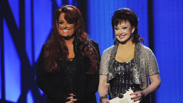 "THE 43rd ANNUAL CMA AWARDS - THEATRE - ""The 43rd Annual CMA Awards"" broadcast live from the Sommet Center in Nashville, WEDNESDAY, NOVEMBER 11 (8:00-11:00 p.m., ET) on the ABC Television Network. (ABC/KATHERINE BOMBOY)WYNONNA, NAOMI JUDD"