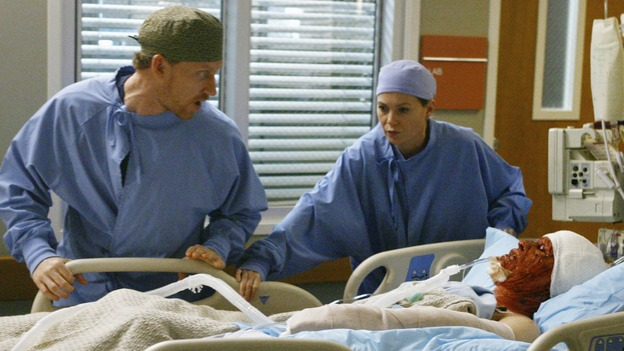 "GREY'S ANATOMY - ""Now or Never"" - Drs. Hunt and Grey begin to rush a crashing patient ""John Doe"" to surgery, on ""Grey's Anatomy,"" THURSDAY, MAY 14 (9:00-11:00 p.m., ET) on the ABC Television Network. KEVIN MCIDD, ELLEN POMPEO, T.R. KNIGHT"