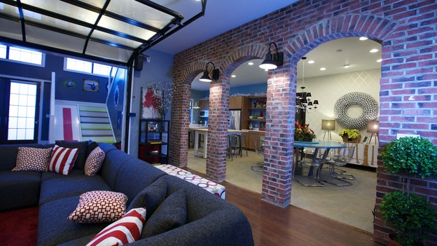 "EXTREME MAKEOVER HOME EDITION - Living Room Photo, ""Friday Family,"" on ""Extreme Makeover Home Edition,"" Monday, December 17th (8:00-10:00 p.m. ET/PT) on the ABC Television Network."