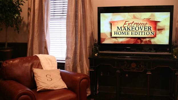"EXTREME MAKEOVER HOME EDITION - ""Slaughter Family,"" - Living Room, on ""Extreme Makeover Home Edition,"" Sunday, January 4th on the ABC Television Network."