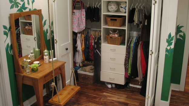 "EXTREME MAKEOVER HOME EDITION - ""DeVries Family,"" - Girl's Bedroom Closet, on ""Extreme Makeover Home Edition,"" Sunday, December 7th on the ABC Television Network."