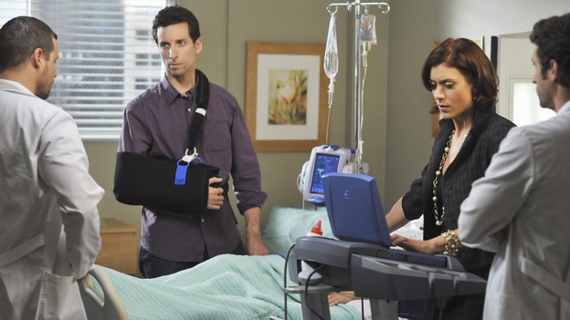"PRIVATE PRACTICE - ""Ex-Life"" - As Archer recoups from surgery, Derek has Addison work with his pregnant neuro patient; after Sam suffers a sudden asthma attack, Bailey and Naomi work together to find the root cause of Sam's sudden attack; and at Oceanside Wellness, Cooper, Violet and Pete work together to treat a mother suffering from postpartum depression, on ""Private Practice,"" THURSDAY, FEBRUARY 12 (10:02-11:00 p.m., ET) on the ABC Television Network. (ABC/ERIC MCCANDLESS)JUSTIN CHAMBERS, BEN SHENKMAN, KATE WALSH, PATRICK DEMPSEY"