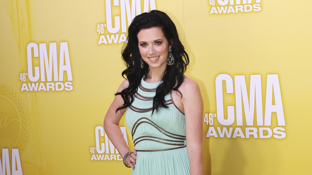 THE 46TH ANNUAL CMA AWARDS - RED CARPET ARRIVALS - &quot;The 46th Annual CMA Awards&quot; airs live THURSDAY, NOVEMBER 1 (8:00-11:00 p.m., ET) on ABC live from the Bridgestone Arena in Nashville, Tennessee. (ABC/SARA KAUSS)SHAWNA THOMPSON OF THOMPSON SQUARE