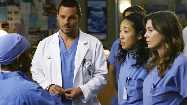"GREY'S ANATOMY - ""Elevator Love Letter"" - Bailey lectures Alex, Meredith and Cristina about being there for Izzie, on ""Grey's Anatomy,"" THURSDAY, MARCH 26 (9:00-10:02 p.m., ET) on the ABC Television Network. (ABC/SCOTT GARFIELD) CHANDRA WILSON, JUSTIN CHAMBERS, SANDRA OH, ELLEN POMPEO"