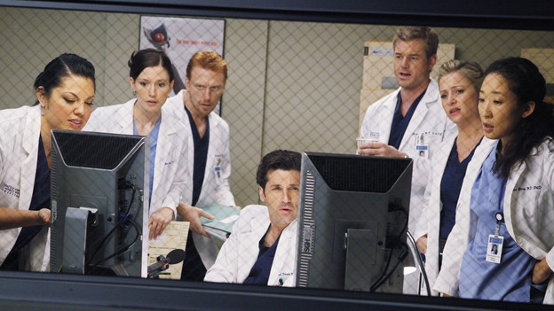 "GREY'S ANATOMY - ""Give Peace a Chance"" - When Isaac, the hospital lab tech, has an inoperable tumor wrapped around his spine, he turns to Dr. Derek Shepherd to do the impossible, and Derek tests the Chief's authority when Richard objects to moving forward with the risky surgery, on ""Grey's Anatomy,"" THURSDAY, OCTOBER 29 (9:00-10:01 p.m., ET) on the ABC Television Network. (ABC/KAREN NEAL)SARA RAMIREZ, CHYLER LEIGH, KEVIN McKIDD, PATRICK DEMPSEY, ERIC DANE, JESSICA CAPSHAW, SANDRA OH"