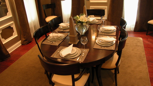 EXTREME MAKEOVER HOME EDITION - &quot;Koepke Family,&quot; - Dining Room, on &quot;Extreme Makeover Home Edition,&quot; Sunday, November 19th on the ABC Television Network.