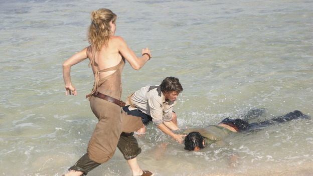 "LOST - ""The Other 48 Days"" - Cindy and Libby pull Jin out of the water as the harrowing first 48 days in the lives of the tail section survivors are revealed, on ""Lost,"" WEDNESDAY, NOVEMBER 16 (9:00-10:00 p.m., ET), on the ABC Television Network. (ABC/MARIO PEREZ) CYNTHIA WATROS, KIMBERLEY JOSEPH, DANIEL DAE KIM"