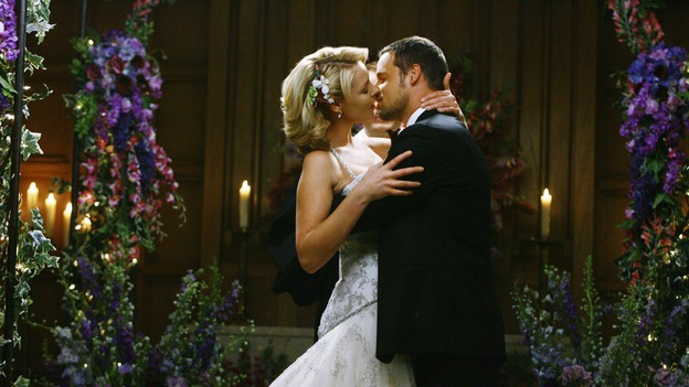 "GREY'S ANATOMY - ""What a Difference a Day Makes"" - Dr. Izzie Stevens and Dr. Alex Karev get married in a surprising twist, on ""Grey's Anatomy,"" THURSDAY, MAY 7 (9:00-10:02 p.m., ET) on the ABC Television Network. KATHERINE HEIGL, JUSTIN CHAMBERS"