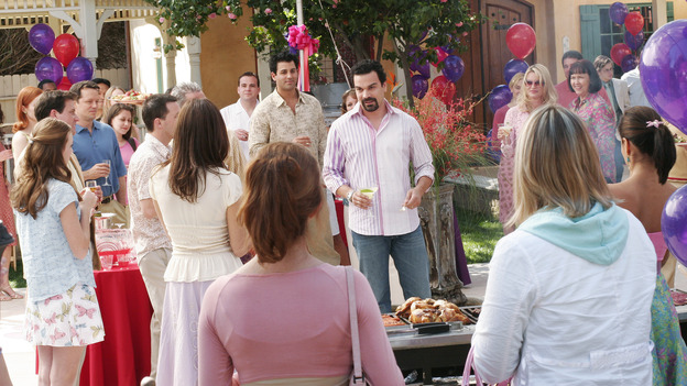 DESPERATE HOUSEWIVES - &quot;FEAR NO MORE &quot; (ABC/RON TOM) RICARDO ANTONIO CHAVIRA, NICOLLETTE SHERIDAN, HARRIET SANSOM HARRIS