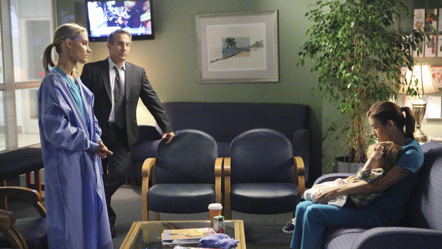 PRIVATE PRACTICE - &quot;God Laughs&quot; - Sam, Cooper, Charlotte and Amelia team up to save the life of their friend Pete after he suffers a heart attack, while Violet, who was in the middle of leaving Pete and LA, is nowhere to be found. Meanwhile, Addison's desire to have a baby leads her to see Jake Reilly, her recent mystery man, in a most surprising place, and Sheldon tries to help Amelia in her battle with alcohol, on the fifth-Season Premiere of &quot;Private Practice,&quot; THURSDAY, SEPTEMBER 29 (10:02-11:00 p.m., ET) on the ABC Television Network. (ABC/ADAM TAYLOR)KADEE STRICKLAND, BRIAN BENBEN, KATE WALSH