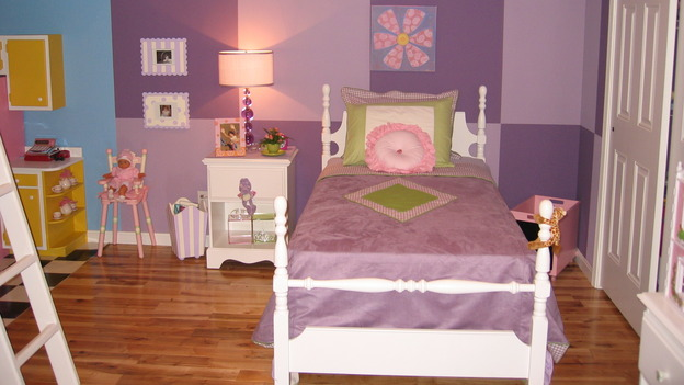 EXTREME MAKEOVER HOME EDITION - &quot;Farina Family,&quot; - Girls' Bedroom, on &quot;Extreme Makeover Home Edition,&quot; Sunday, November 12th on the ABC Television Network.