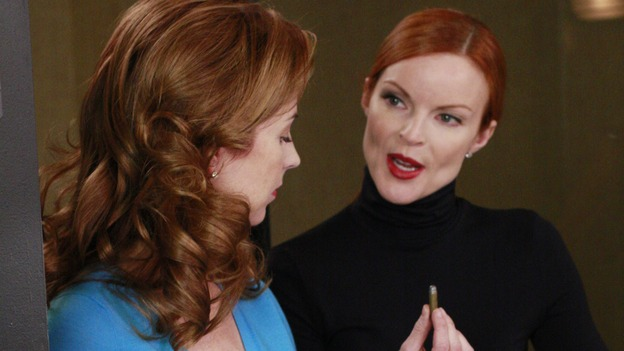 "DESPERATE HOUSEWIVES - ""The Gun Song"" - Bree gives Katherine pointers on her aim, on Desperate Housewives,"" SUNDAY, MAY 18 (9:00-10:00 p.m., ET) on the ABC Television Network. (ABC/RON TOM) DANA DELANY, MARCIA CROSS"