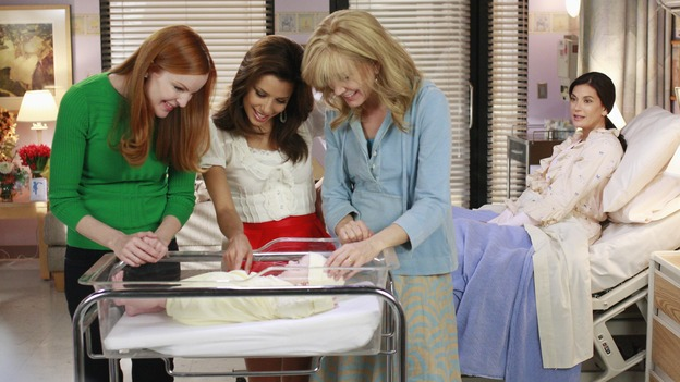 "DESPERATE HOUSEWIVES - ""The Gun Song"" - The ladies of Wisteria Lane meet Susan and Mike's new baby, on Desperate Housewives,"" SUNDAY, MAY 18 (9:00-10:00 p.m., ET) on the ABC Television Network. (ABC/RON TOM) MARCIA CROSS, EVA LONGORIA PARKER, FELICITY HUFFMAN, TERI HATCHER"