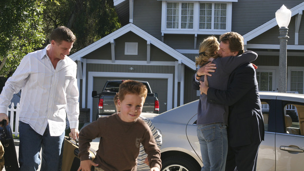 DESPERATE HOUSEWIVES - &quot;YOUR FAULT&quot; (ABC/SCOTT GARFIELD) DOUG SAVANT, SHANE AND BRENT KINSMAN, FELICITY HUFFMAN, RYAN O'NEAL