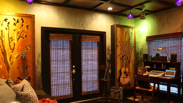 "EXTREME MAKEOVER HOME EDITION - ""Beach Family,"" - The Season/Guitar Room, on ""Extreme Makeover Home Edition,"" Sunday, April 4th (8:00-10:00 p.m. ET/PT) on the ABC Television Network."