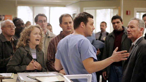 "GREY'S ANATOMY - ""Drowning on Dry Land"" - ""Grey's Anatomy's"" three-episode story arc continues with a part two that will challenge the interns of Seattle Grace -- and ""Grey's"" fans as well -- like never before, THURSDAY, FEBRUARY 15 (9:00-10:01 p.m., ET) on the ABC Television Network. Elizabeth Reaser (Independent Spirit Award nominee for ""Sweet Land"") guest stars as a patient over multiple episodes. (ABC/CRAIG SJODIN)DANIELLE KENNEDY, BRIAN CHENOWETH, JUSTIN CHAMBERS, PAUL NORWOOD"