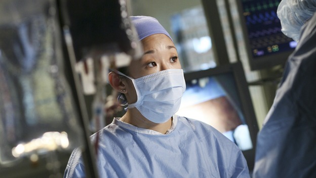 GREY'S ANATOMY - &quot;Let the Angels Commit&quot; -- Cristina scrubs in on the rare 'humpty dumpty' procedure, much to the envy of her fellow doctors, Alex questions his future medical specialty, George and Addison work with a pregnant woman with an unusual dilemma, and Derek receives a surprise visit from his sister, on &quot;Grey's Anatomy,&quot; THURSDAY, OCTOBER 26 (9:00-10:01 p.m., ET) on the ABC Television Network. (ABC/RICHARD CARTWRIGHT)SANDRA OH